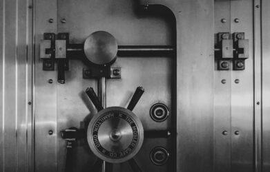 Co przedsiębiorca przechowywać w skrytkach bankowych?