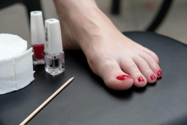 Frezarka do paznokci – podstawowy sprzęt w gabinecie podologa